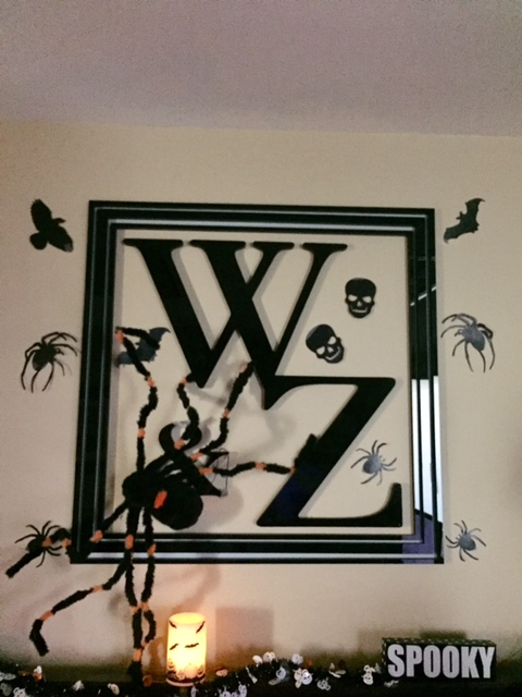 W Z Sign Halloween (I0716645xC2BA8)